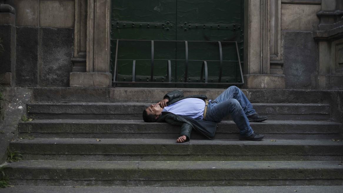 Disperati sulle scale della Chiesa #296
